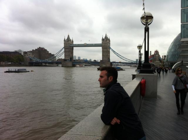 Soler cerca de la Tower Bridge